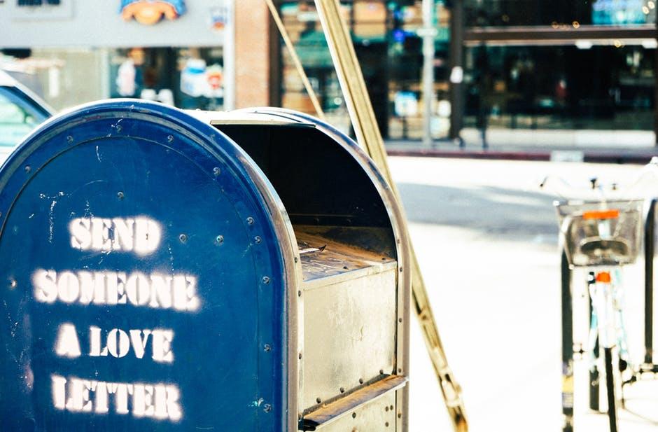 enviar un paquete por mensajería